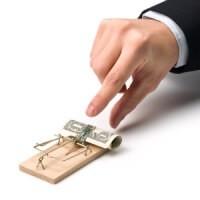 Přijímání Paypal finančních prostředků zavání podvodem.