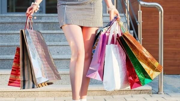 Tajný zákazník nebo jinak záhadný kupující, který pracuje pro mystery shopping společnost.