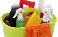 Produkty od společnosti Dedra - čistící prostředky a drogerie.