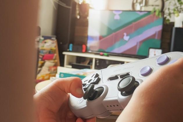 Joystick na online hraní.