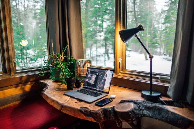 Osvětlení je v domácí kanceláři velmi důležité.